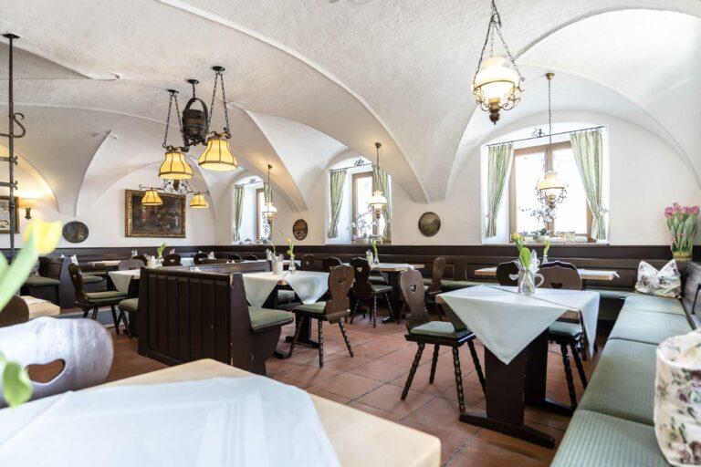 Restaurant Alter Wirt Weyarn Urige Gaststube